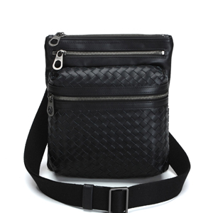 BOTTEGA VENETA-39930-9 남성용 Intrecciato Cross Body Bag 블랙